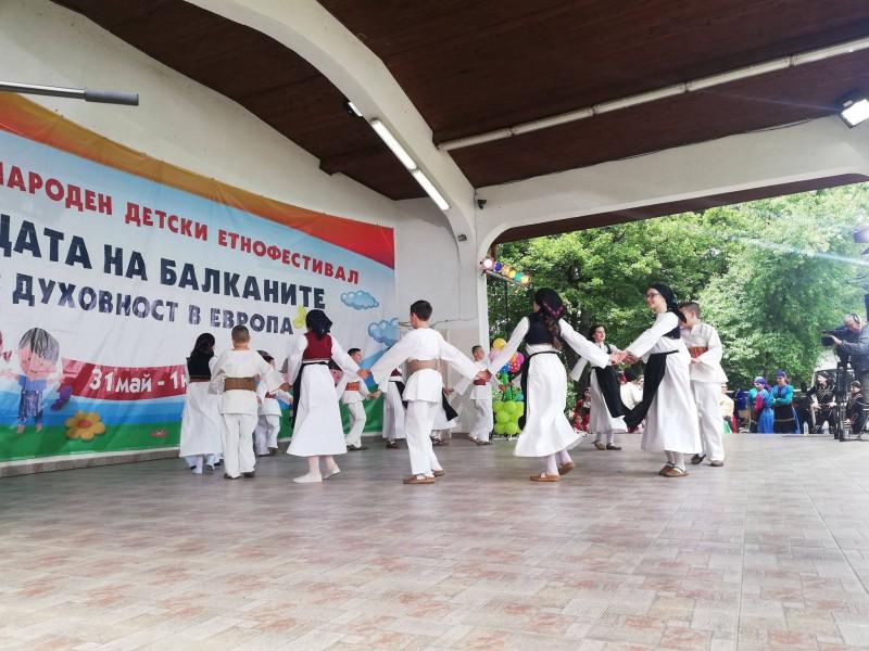 Dječiji folklorni ansambl osvojio III mjesto na festivalu u Bugarskoj