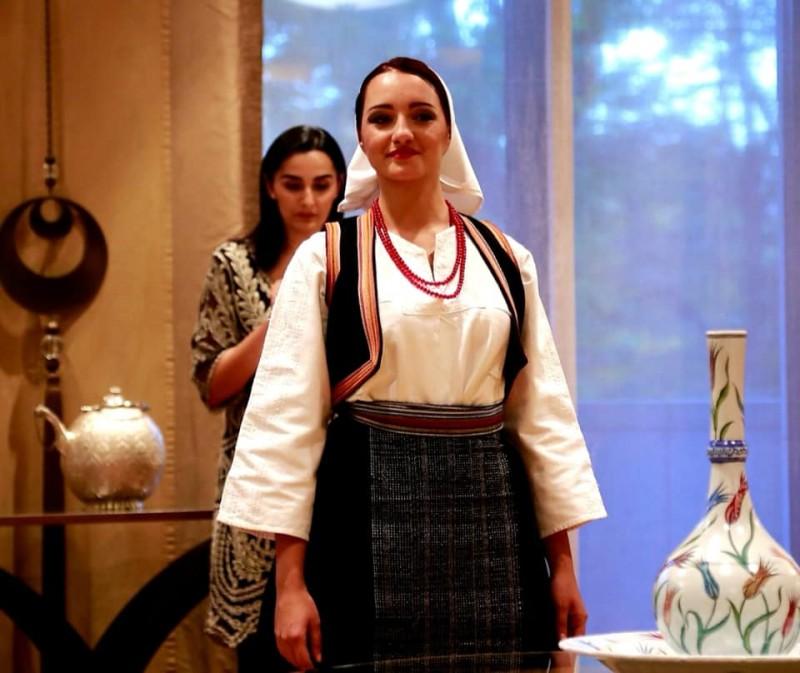 Revija tradicionalne ženske nošnje iz BiH